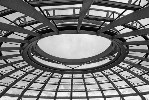 Central oculus over the dome. Reichstag