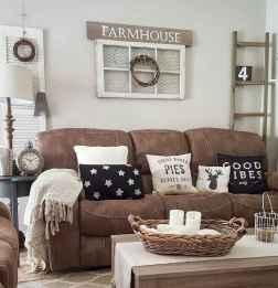45 amazing rustic farmhouse style living room design ideas (43)