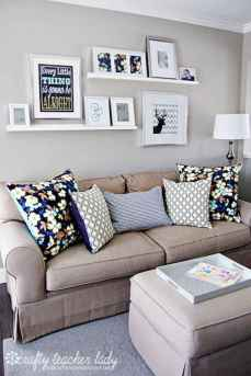 Awesome apartment living room decorating ideas (48)