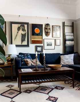 Awesome gallery wall living room ideas (15)