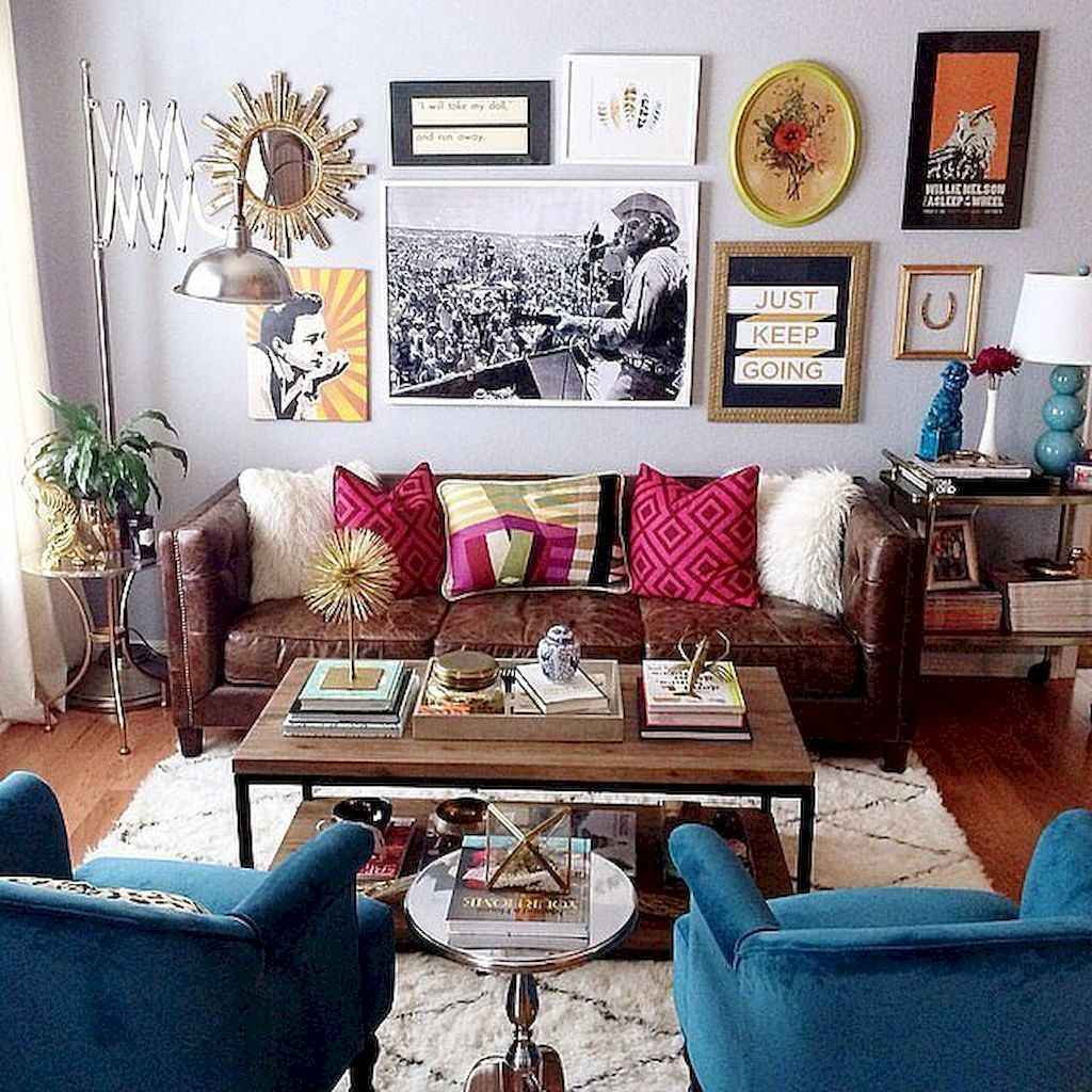 Awesome gallery wall living room ideas (17)