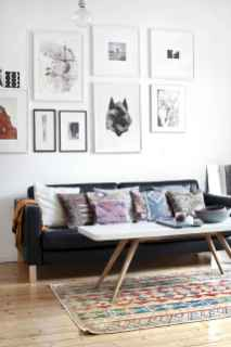 Awesome gallery wall living room ideas (23)