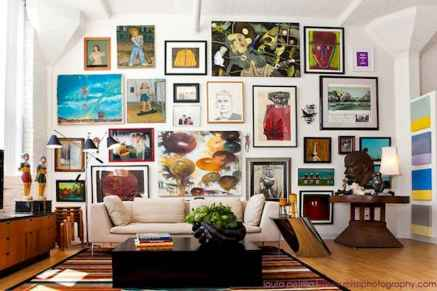 Awesome gallery wall living room ideas (30)