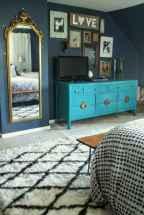 Beautiful gallery wall bedroom ideas (15)