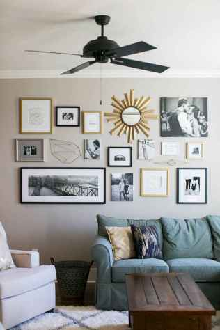 Beautiful gallery wall bedroom ideas (19)