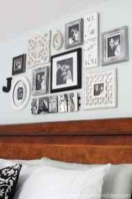 Beautiful gallery wall bedroom ideas (33)
