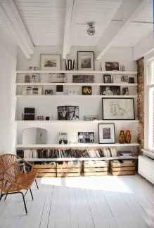 Beautiful gallery wall bedroom ideas (46)