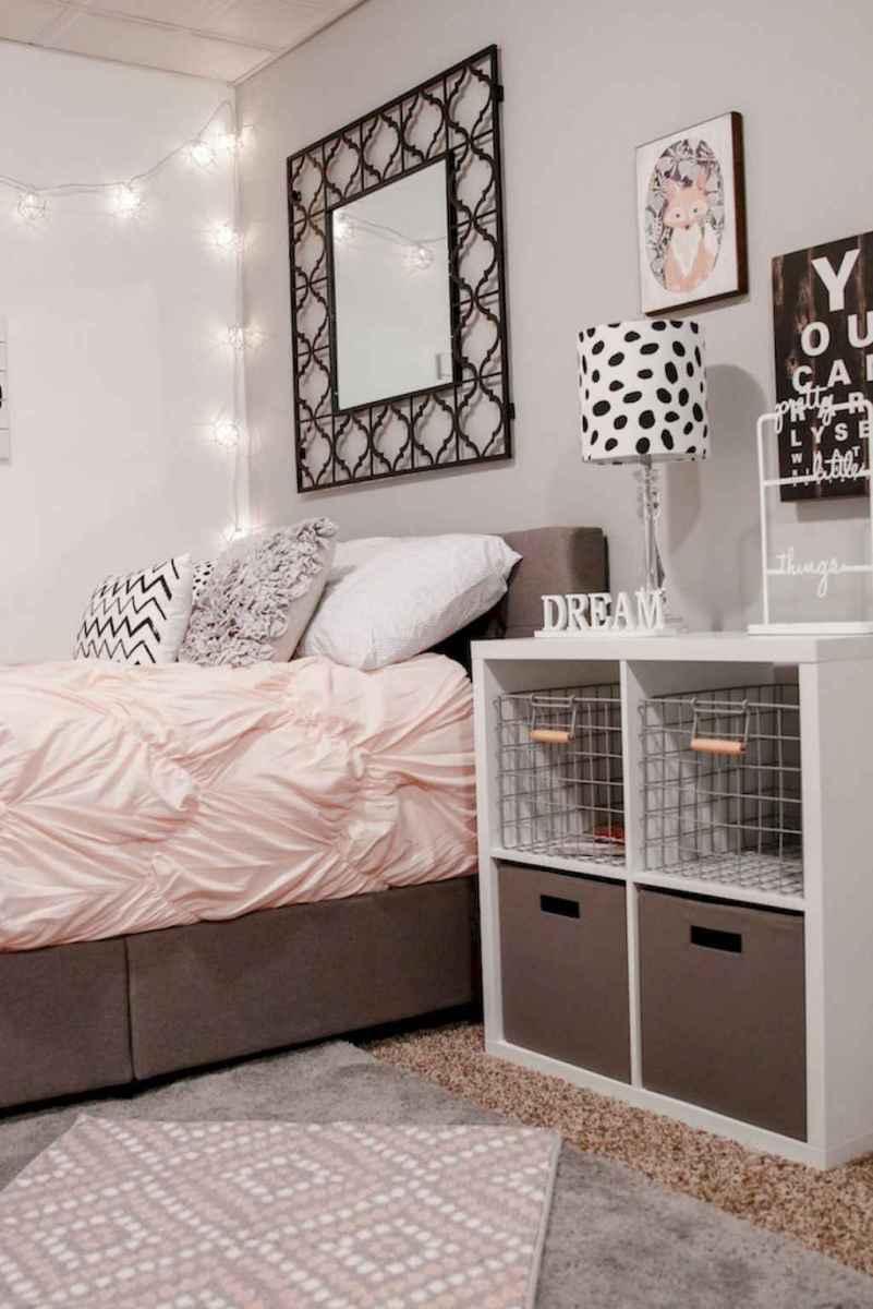 Simply bedroom decoration ideas (30)