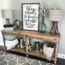 25 modern farmhouse living room first apartment ideas (22)