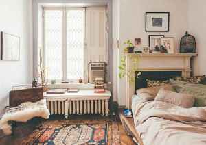 40 boho chic first apartment decor ideas (24)