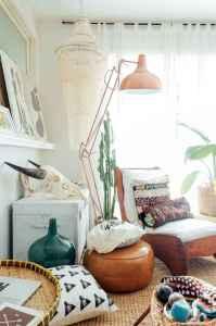 40 boho chic first apartment decor ideas (30)