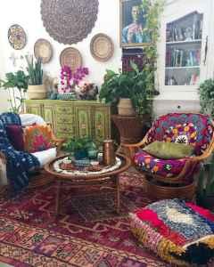 40 boho chic first apartment decor ideas (43)