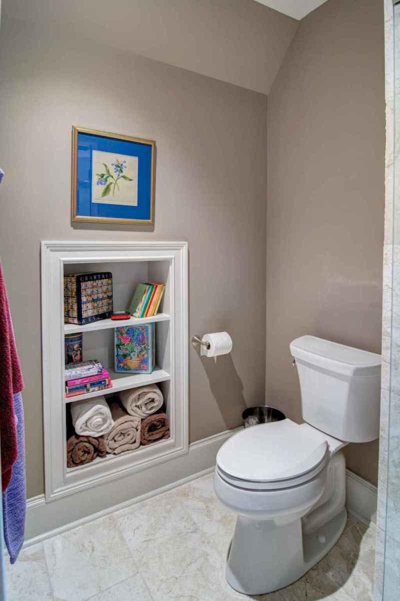40 easy master bathroom organization ideas (23)