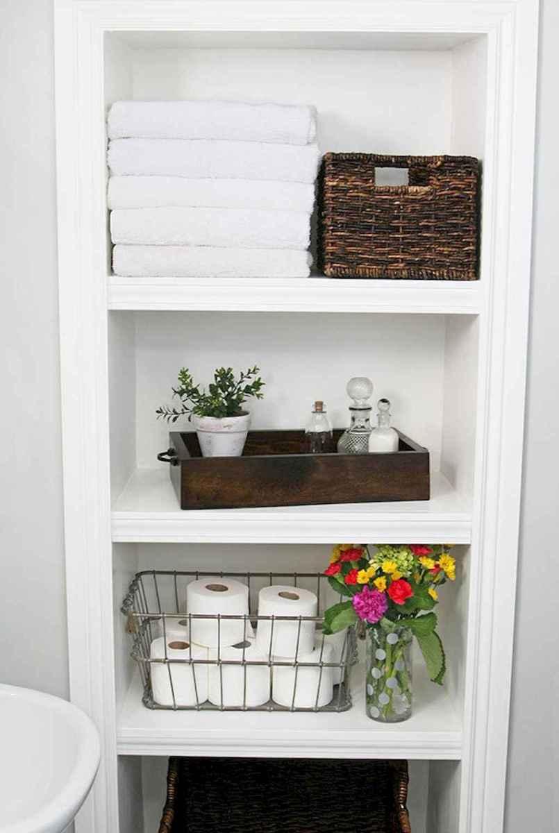 40 easy master bathroom organization ideas (32)