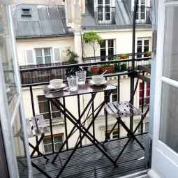 50 affordable small first apartment balcony decor ideas (42)