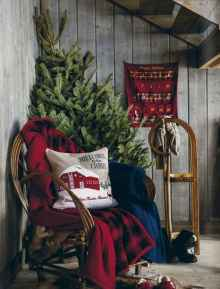 60 apartment decorating ideas for christmas (14)