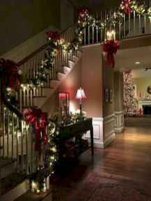60 apartment decorating ideas for christmas (44)