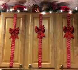 60 apartment decorating ideas for christmas (51)