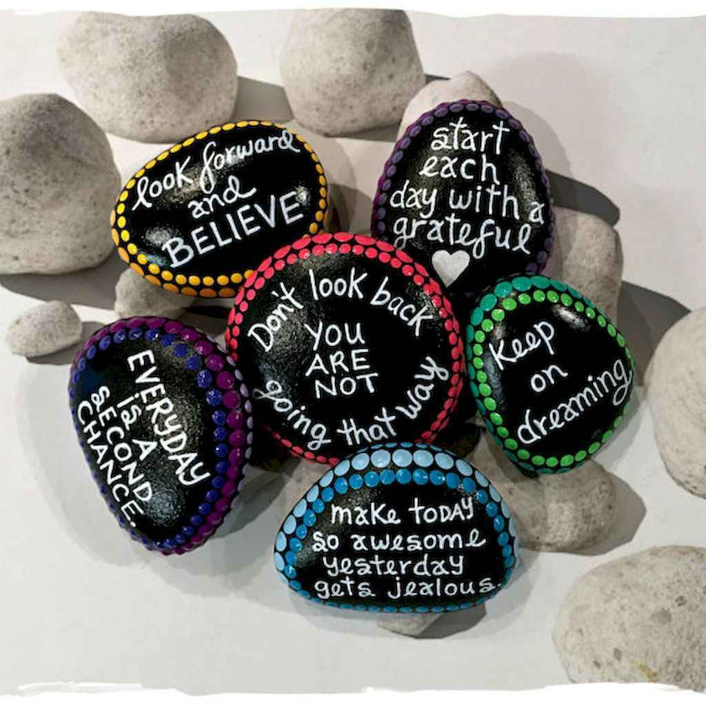 70 diy painted rock for first apartment ideas (41)