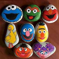 70 diy painted rock for first apartment ideas (51)