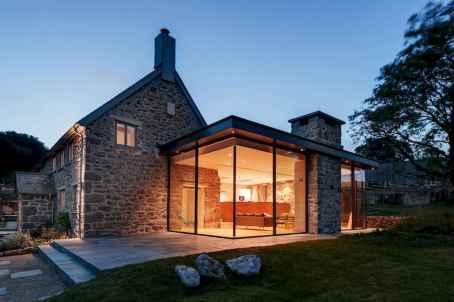 70 stunning farmhouse exterior design ideas (44)
