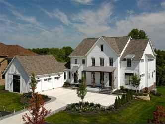 70 stunning farmhouse exterior design ideas (48)