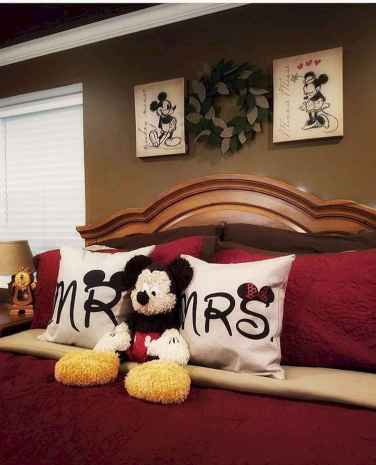 80 master bedrooms apartment decorating ideas for couple (72)