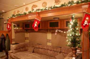 20 awesome rv campers christmas decorations ideas (15)
