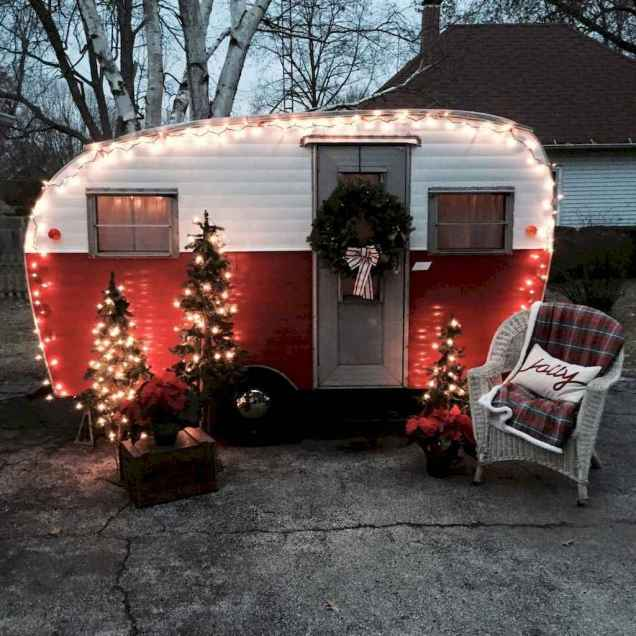 20 awesome rv campers christmas decorations ideas (19)