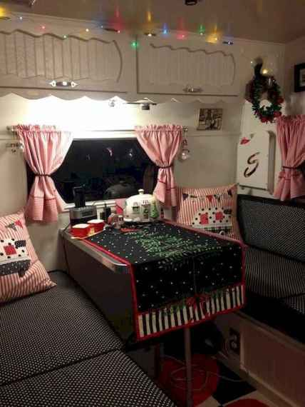 20 awesome rv campers christmas decorations ideas (5)
