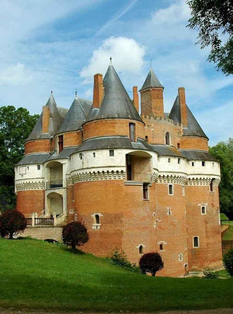40 modern castle homes exterior landscaping (22)