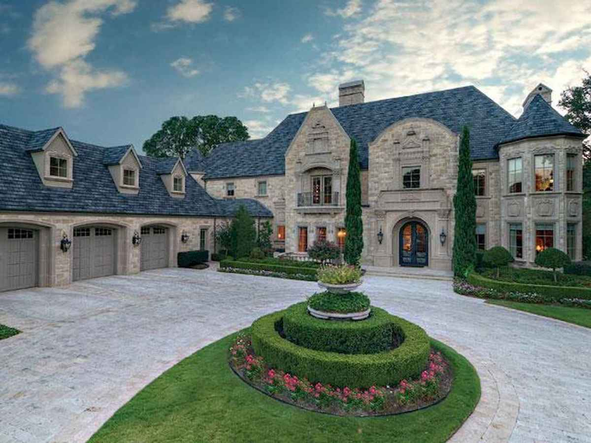 40 modern castle homes exterior landscaping (33)