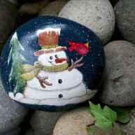 54 easy diy christmas painted rock ideas (20)
