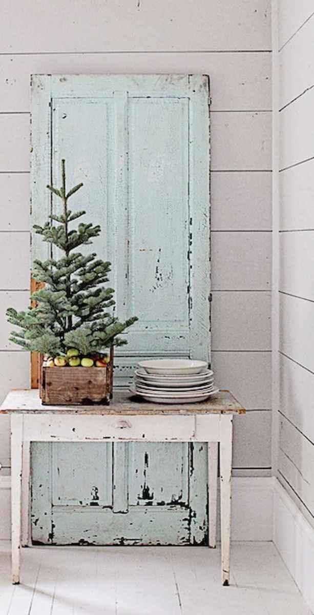 55 awesome christmas front porches decor ideas (39)