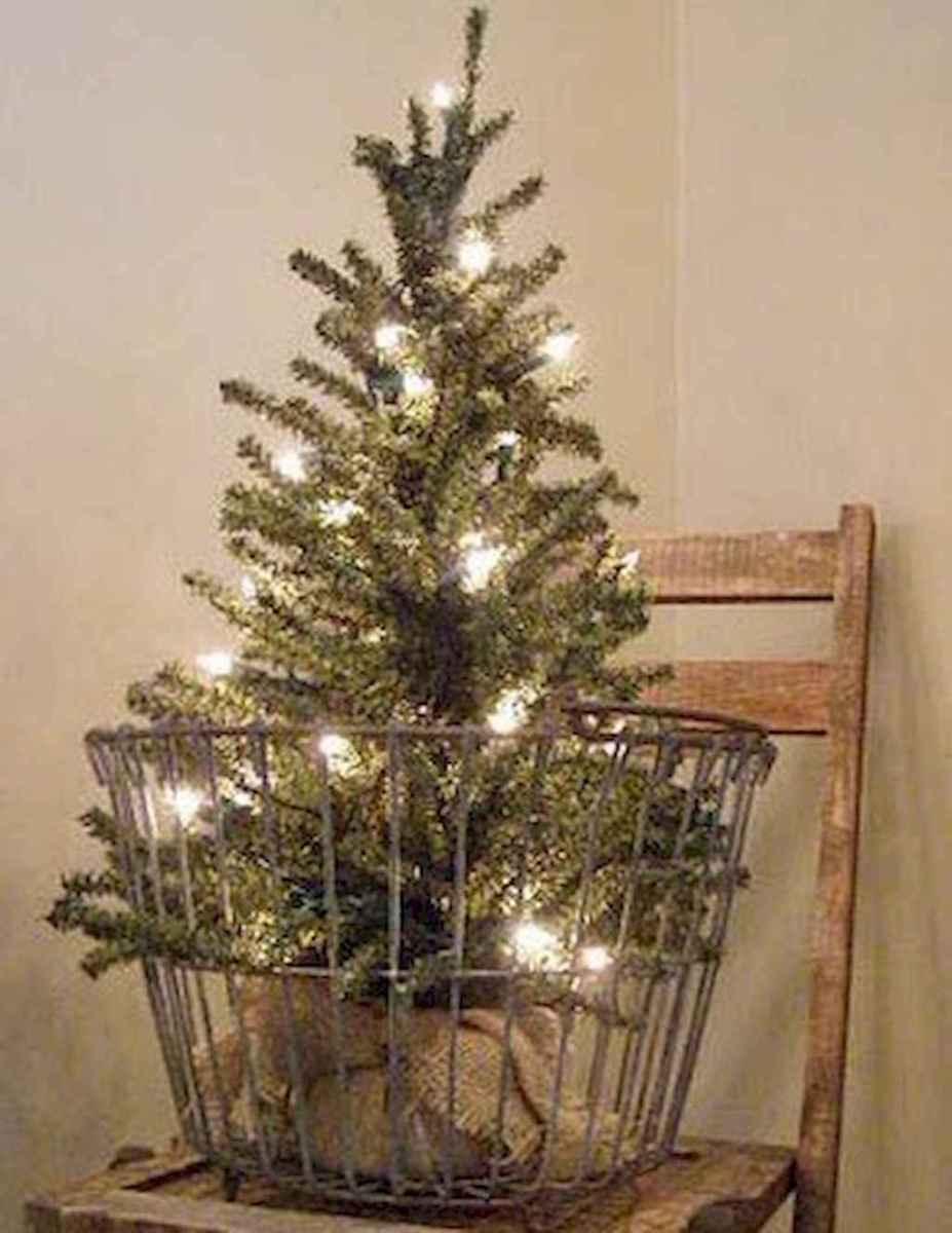55 awesome christmas front porches decor ideas (48)