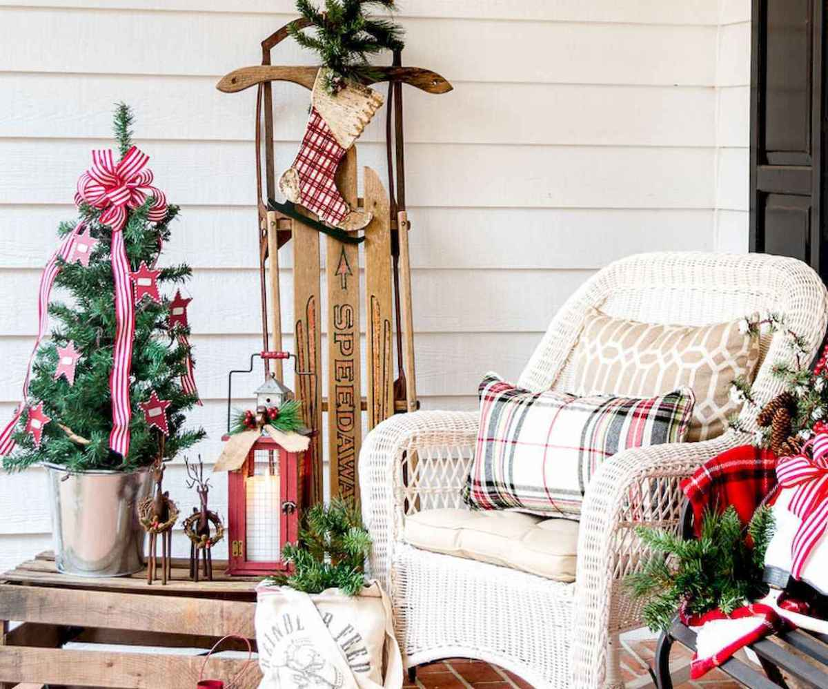 55 awesome christmas front porches decor ideas (8)