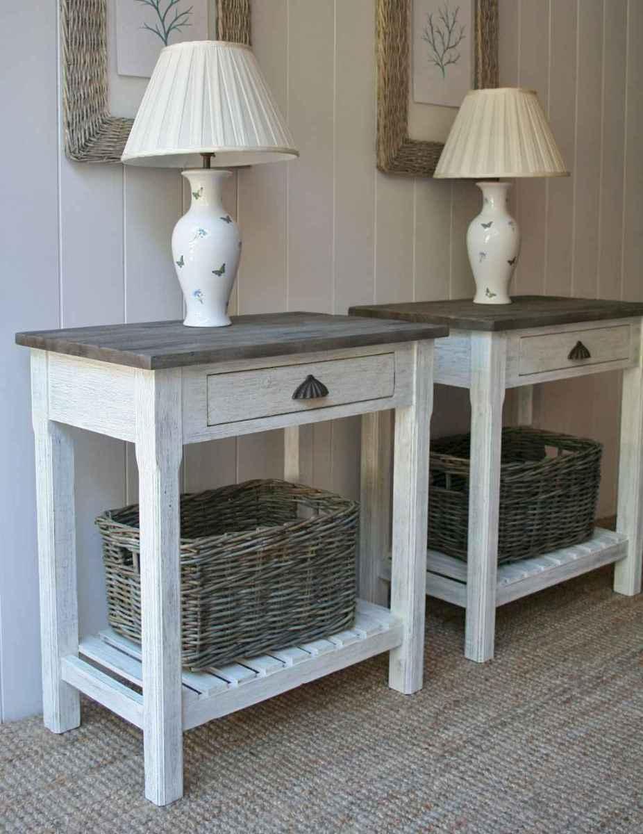 60 beautiful beside table decor ideas (58)