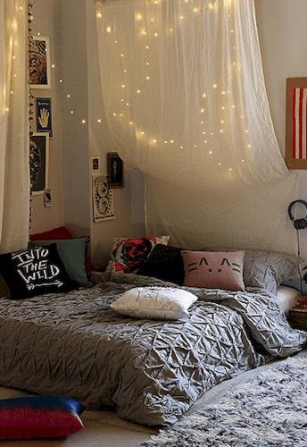 30 amazing college apartment bedroom decor ideas (17)
