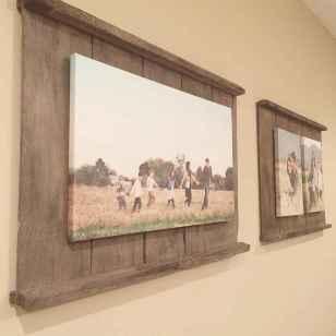 40 diy family photos display ideas for apartment decor (16)
