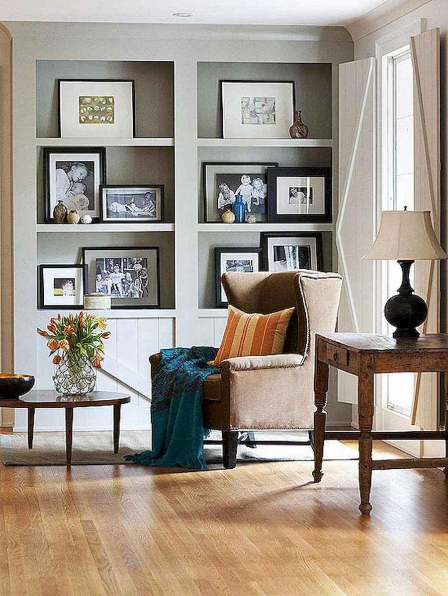 40 diy family photos display ideas for apartment decor (20)