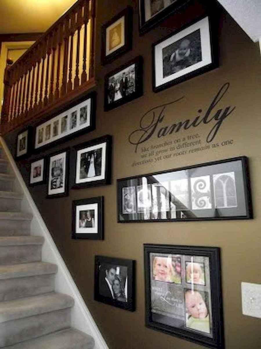 40 diy family photos display ideas for apartment decor (28)