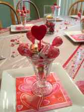 44 romantic valentines party decor ideas (39)