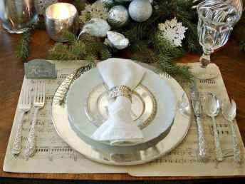 44 stunning mesa centerpiece christmas decor ideas (12)