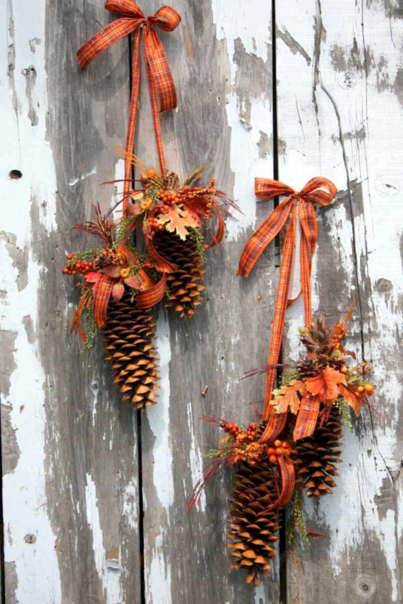 45 outdoor pine cones christmas decorations ideas (22)