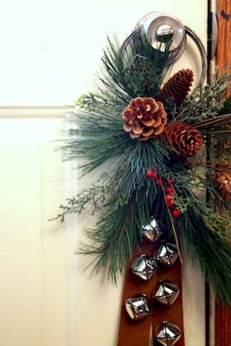 45 outdoor pine cones christmas decorations ideas (23)