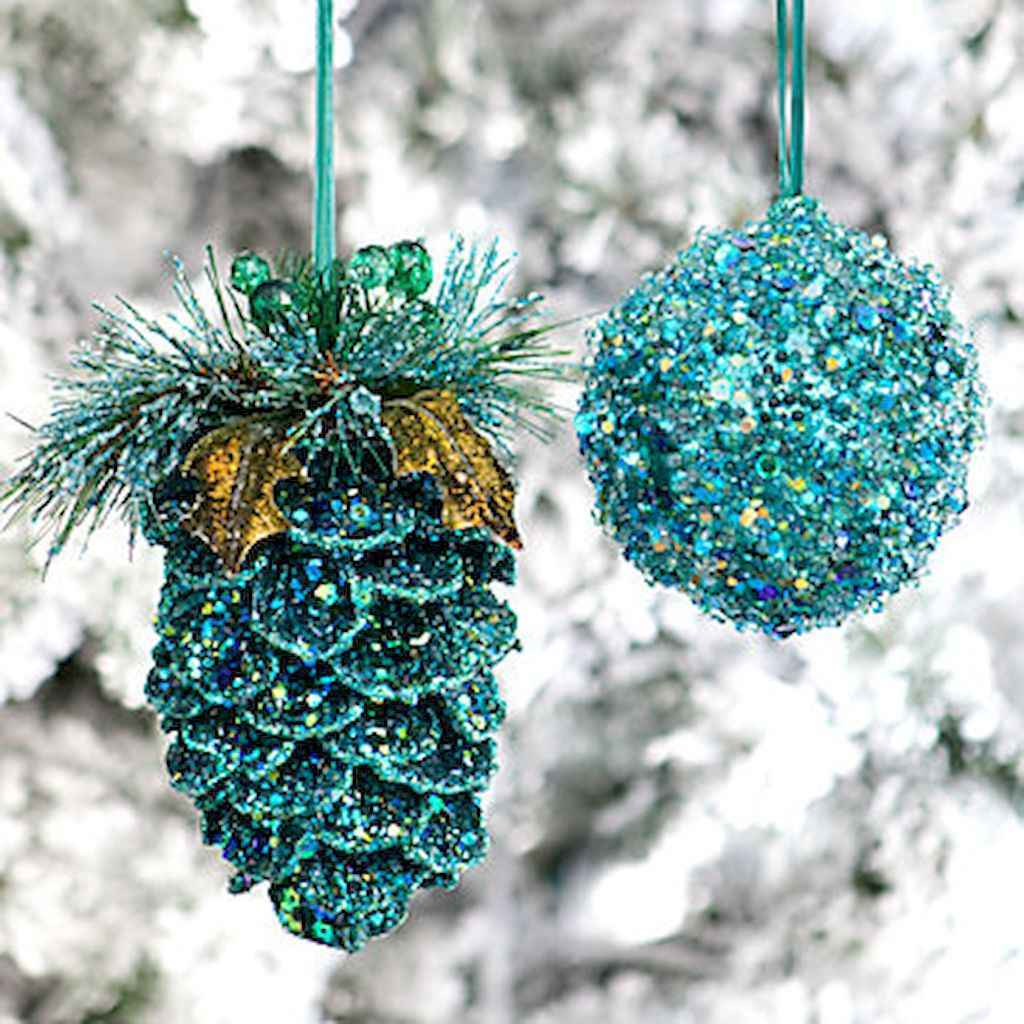 45 outdoor pine cones christmas decorations ideas (6)