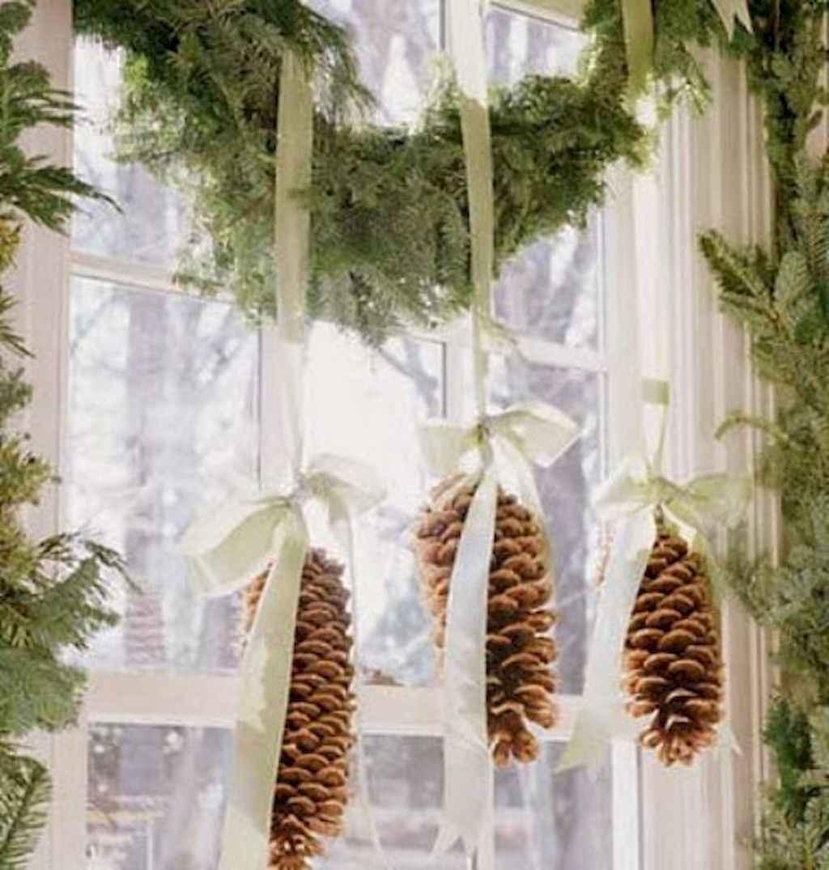 45 outdoor pine cones christmas decorations ideas (8)