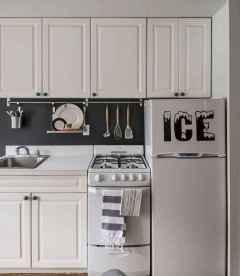 50 miraculous apartment kitchen rental decor ideas (6)