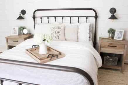50 stunning vintage apartment bedroom decor ideas (1)