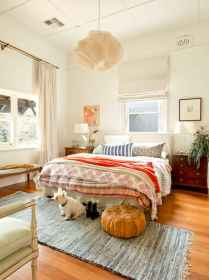 60 cool eclectic master bedroom decor ideas (31)